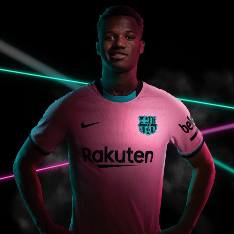 Barcelona-Camiseta-2-768x768