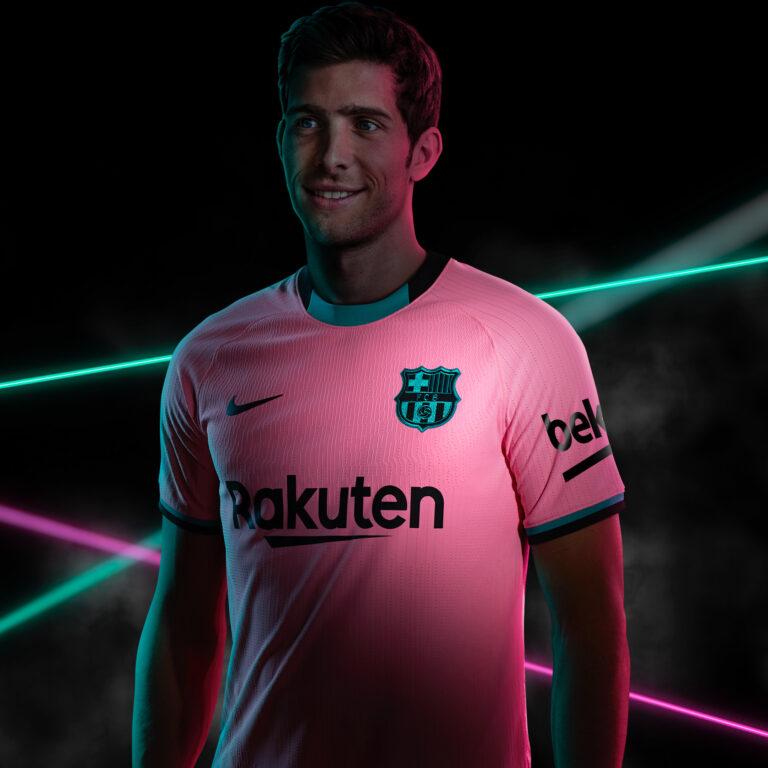 Barcelona-Camiseta-3-768x768