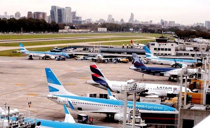 El Gobierno evalúa cerrar el Aeropuerto de Ezeiza desde el 15 de enero |  Radiofonica.com